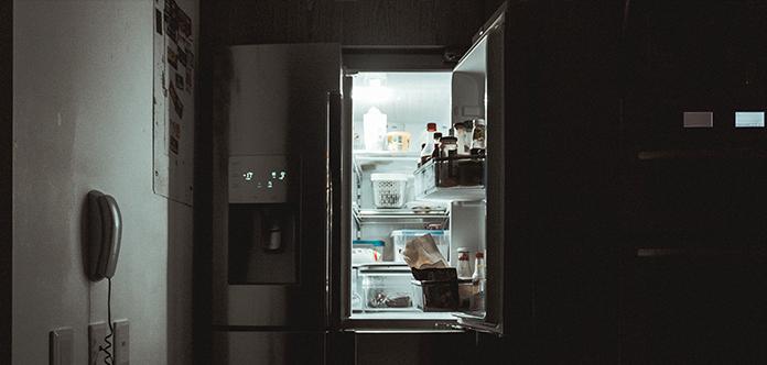 Reinige Deinen Kühlschrank regelmäßig und vermeide somit Bakterienherde