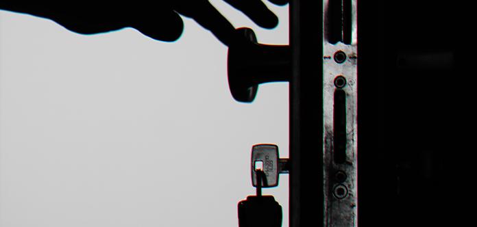 Türklinge und Schlüsselbund müssen regelmäßig gereinigt werden